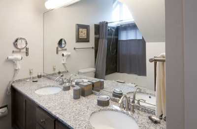 Penthouse bathroom 2016 resized