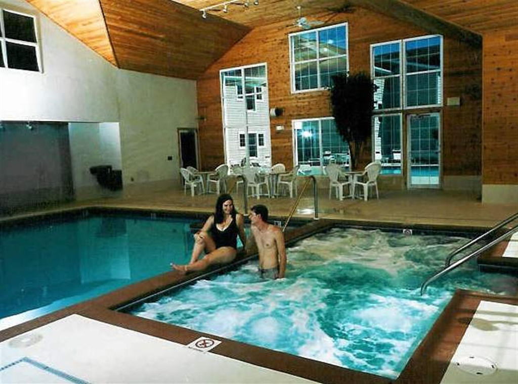 Newport Resort hot tub in Egg Harbor Wisconsin, Door County lodging