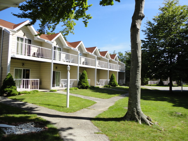 Ephraim Wi lodging and resorts, Somerset Inn & Suites NOrth Wing in Door County