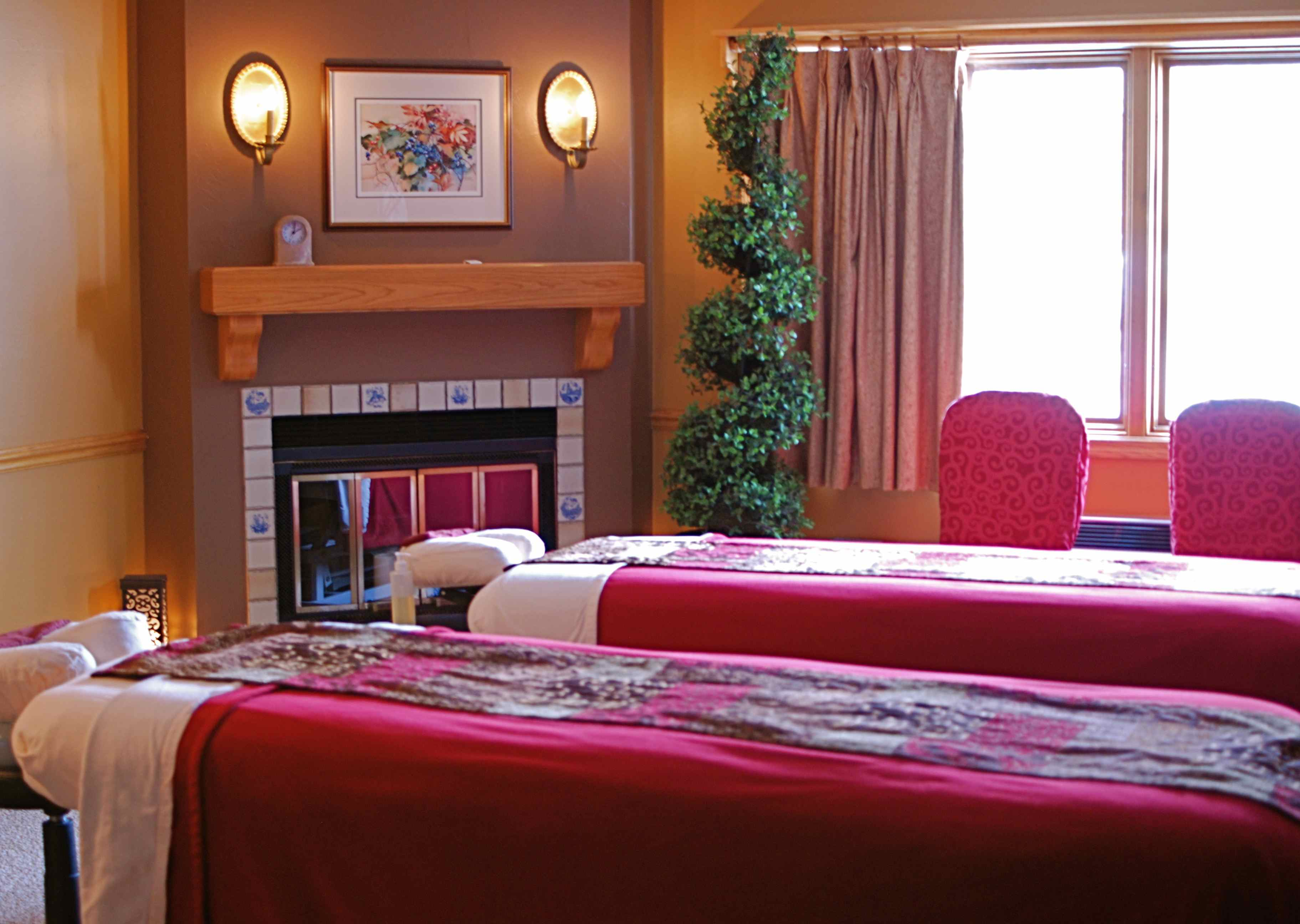 Lavender Spa Couples Room in Fish Creek Wi facility