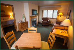 Fish Creek Wi lodging, Homestead Suites Hickory Suite, Door COunty