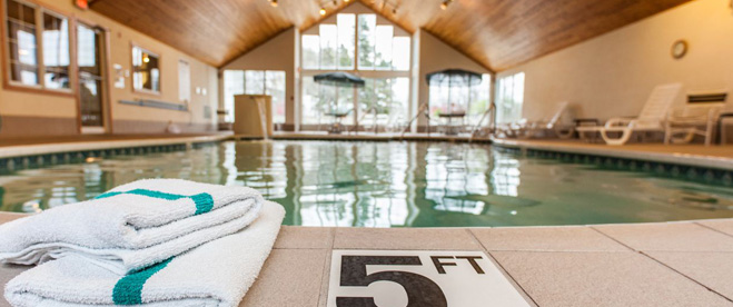 Fish Creek Wi lodging, Homestead Suites Pool, Door County